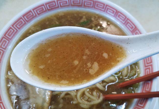 煮干しラーメン(こってり味)のスープ