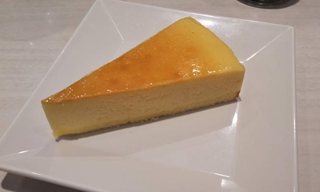 レモンのベイクドチーズケーキの画像