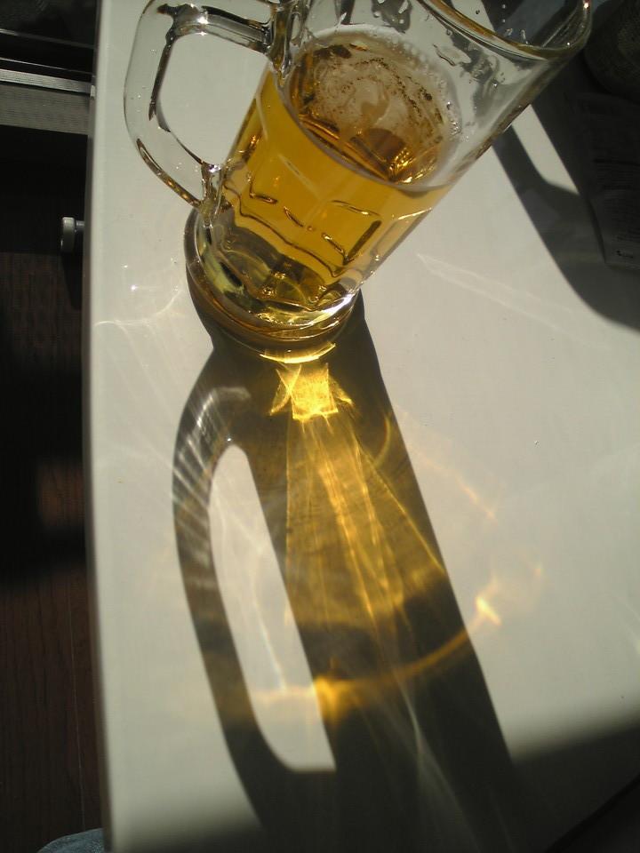 ビールの影