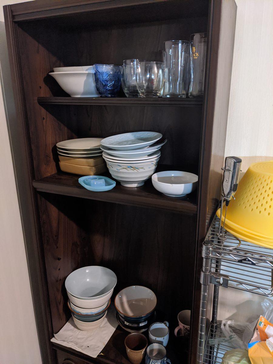 ギーマニの食器棚