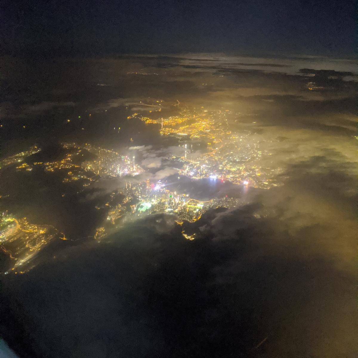 空の上から見た香港の100万ドルの夜景