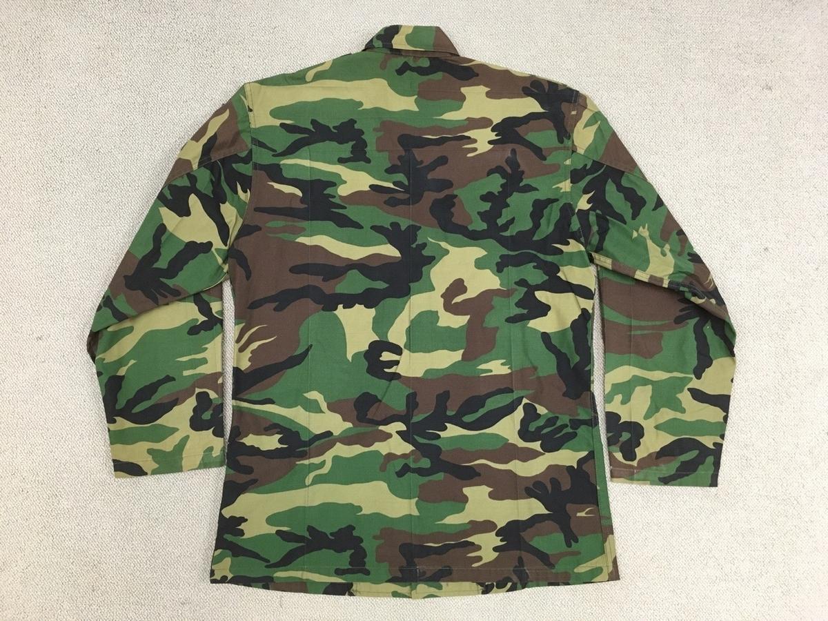 韓国軍ウッドランド迷彩シャツ(背面)