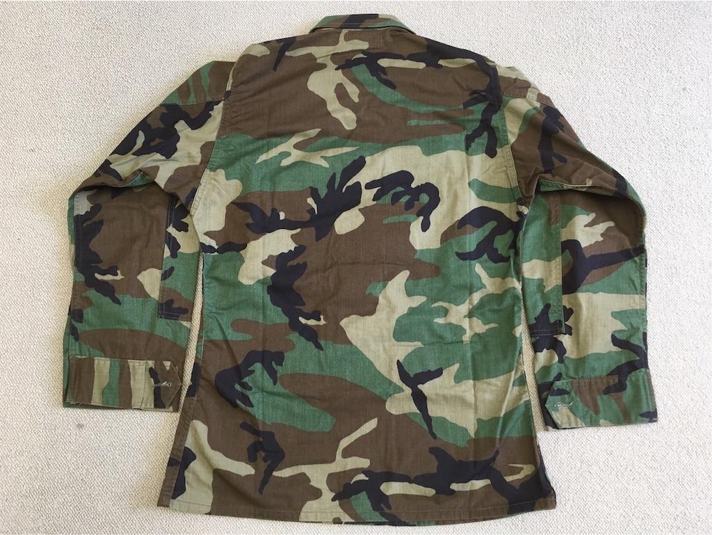 アメリカ軍ウッドランド迷彩ジャケット(背面)