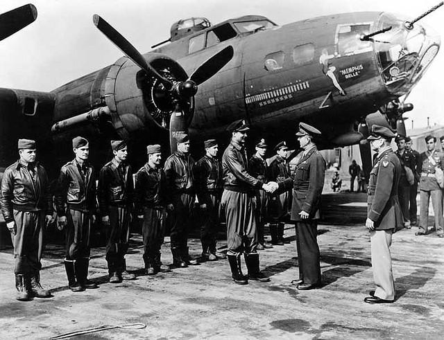 アメリカ陸軍航空隊B–17「メンフィス・ベル」パイロット&クルー