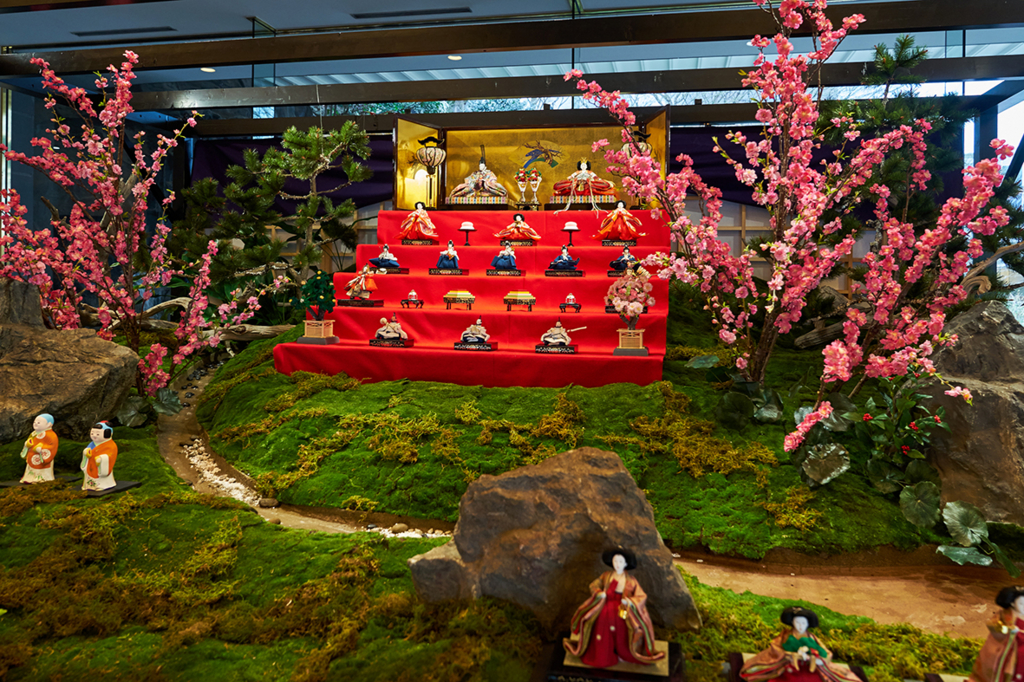 Hinamatsuri traces its origins to nagashi-bina