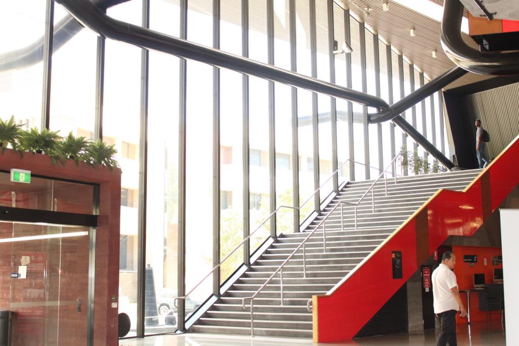 先進的なデザインの校舎
