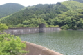 河内貯水池の堤防