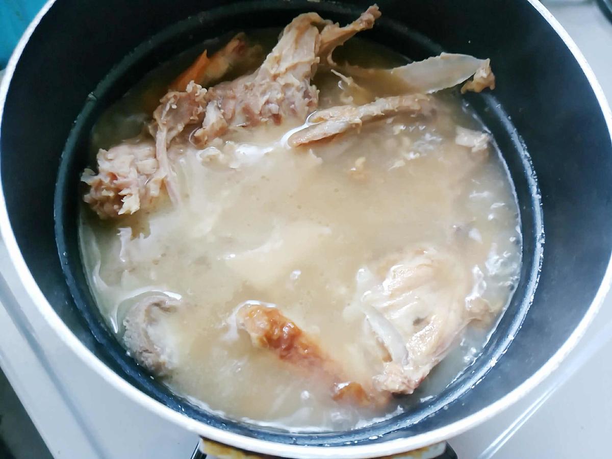 コストコロティサリーチキンの残った骨はスープに活用!