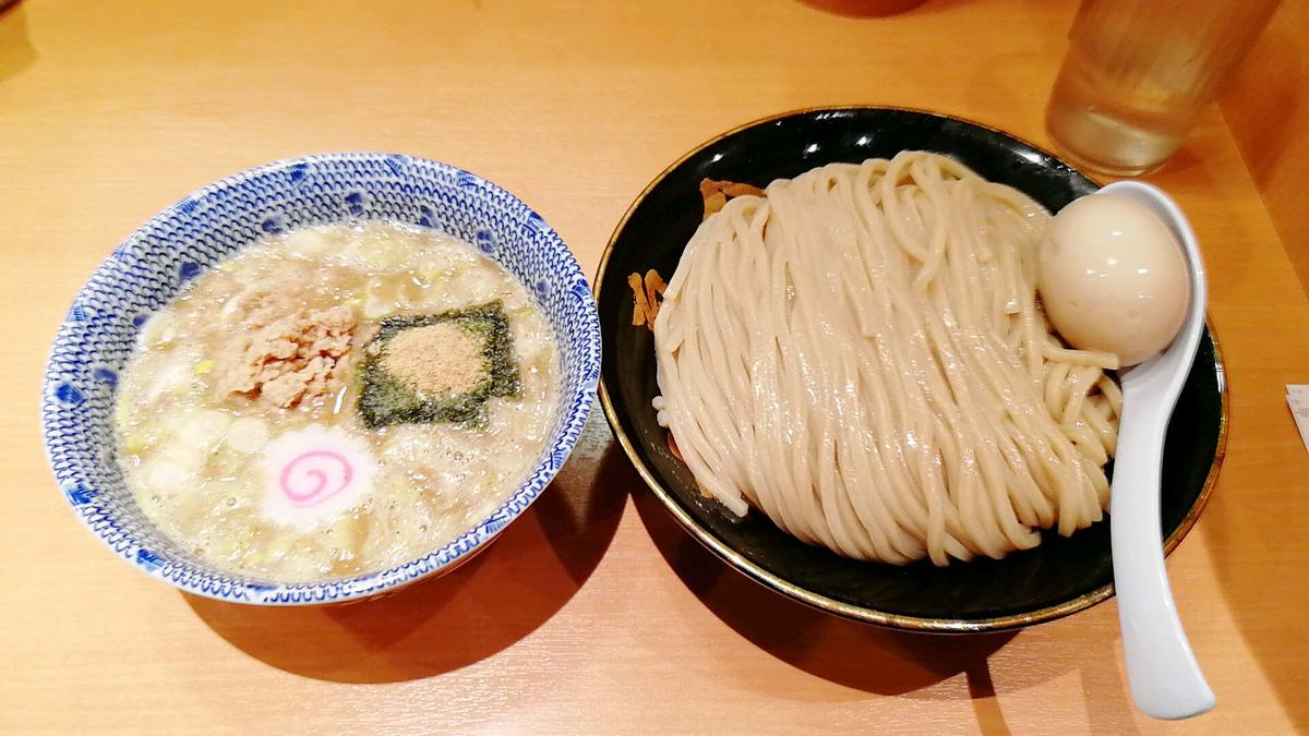 超美味しい六厘舎の特製つけ麺!