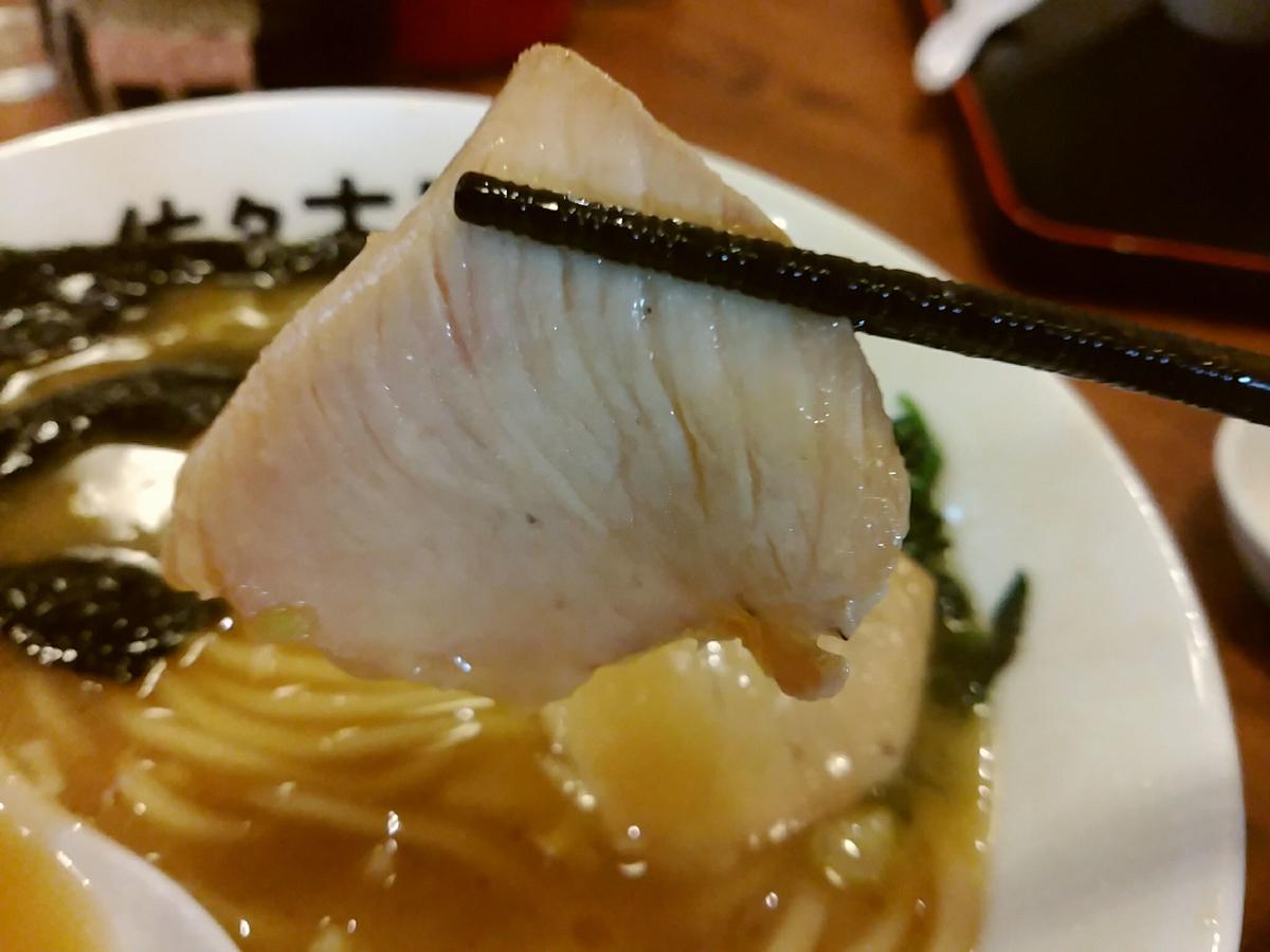 ラーメン佐々木家のチャーシュはしっとり美味しい
