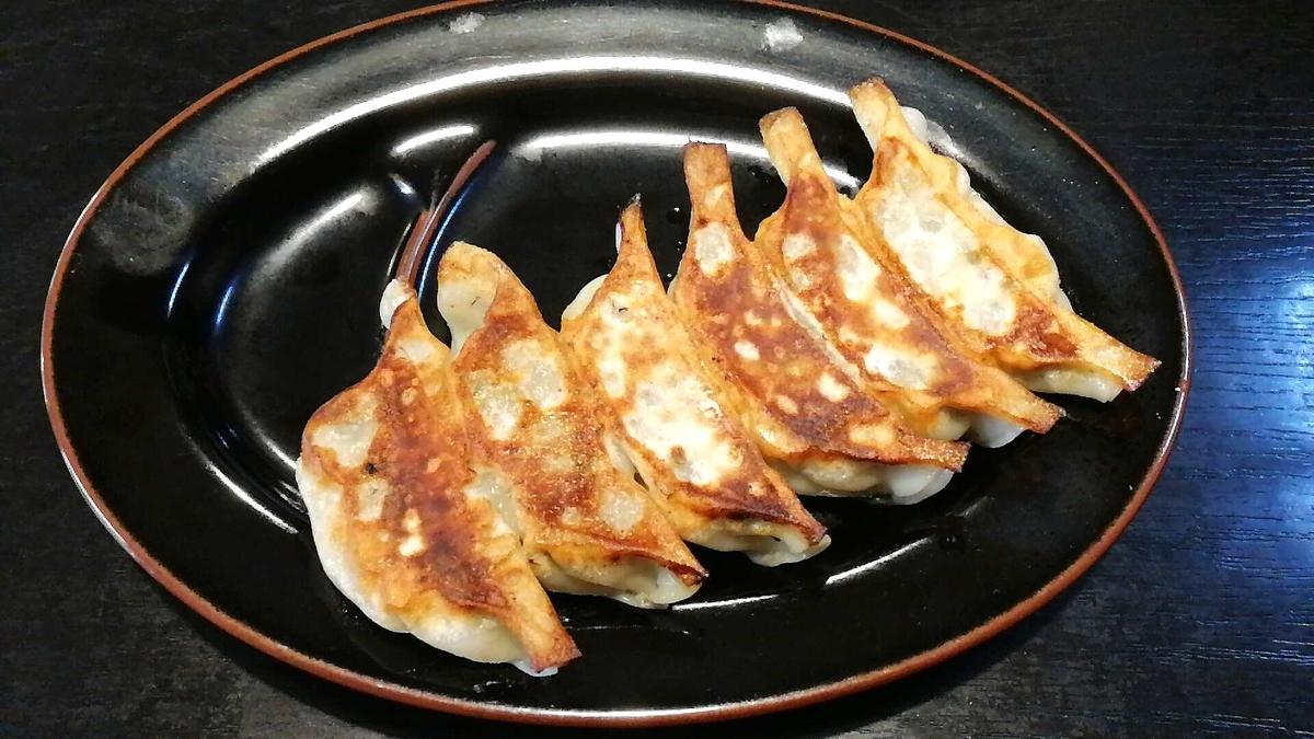 麺屋新月の餃子も美味しい!