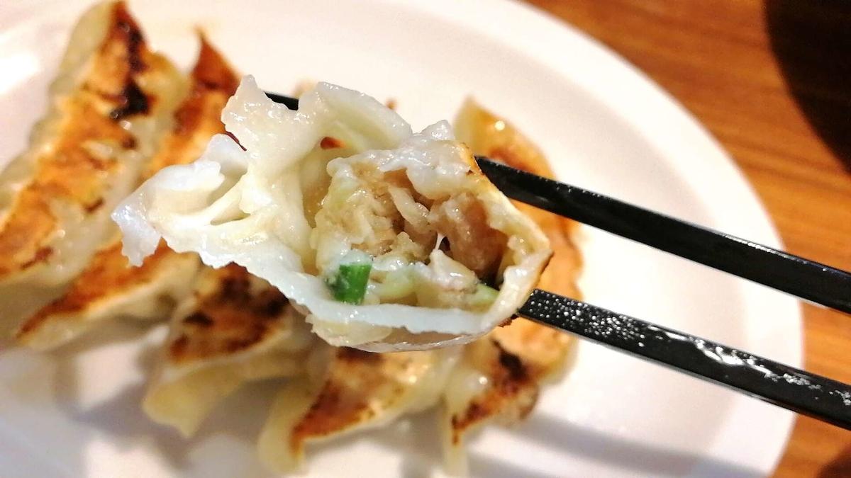 壱角家の餃子はジューシーでなかなか美味しい!