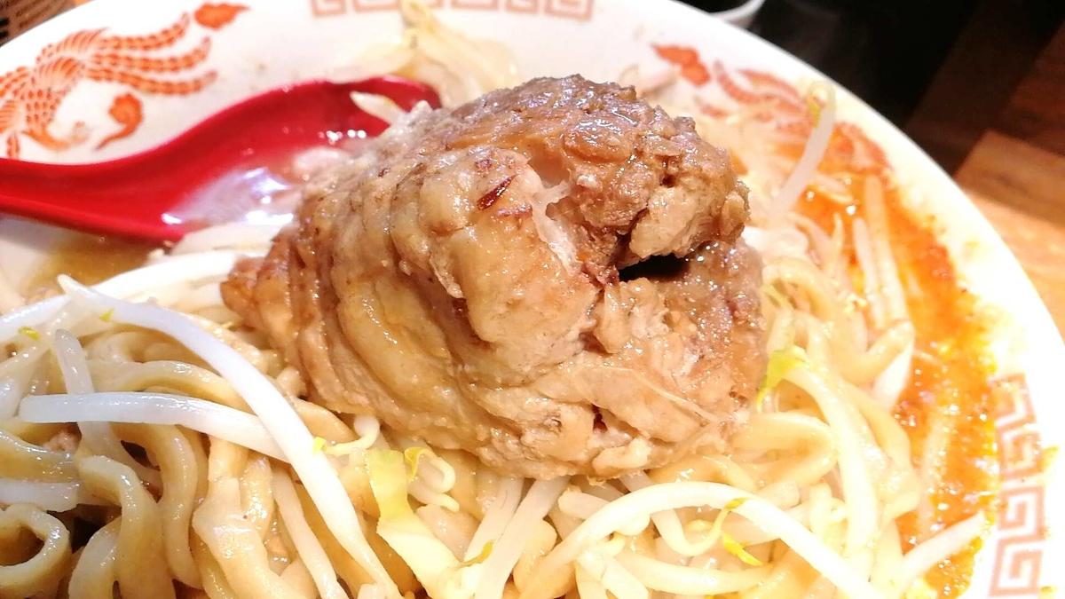 蒙麺火の豚は豚マシがオススメ。