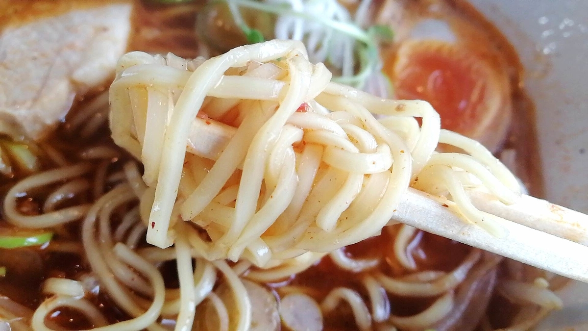 武市商店の麺リフト。中部と麺と細麺から選べます。