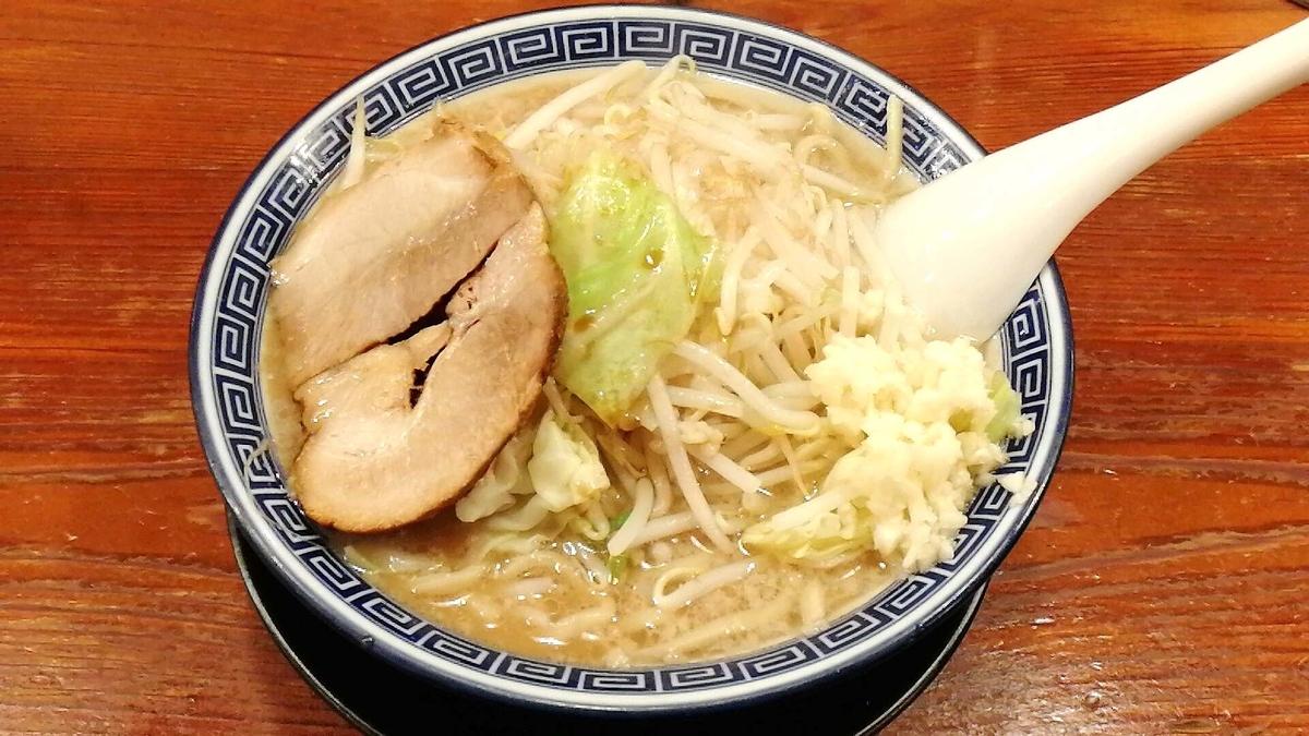 麺屋くさびの二郎系ラーメン「サブロー」はかなりレベルが高い!