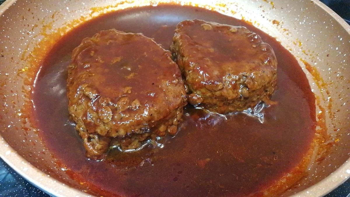 コストコのビーフパティは豚肉やつなぎをしっかり入れないとハンバーグには難しいかも。