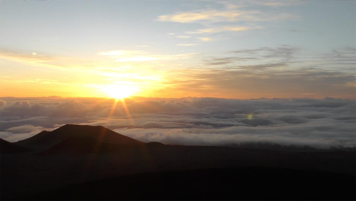 マウナケア山頂からのサンライズ