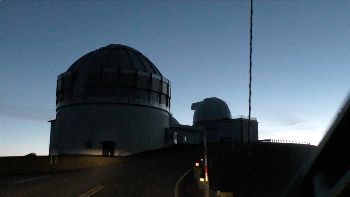 日の出前のマウナケア山頂