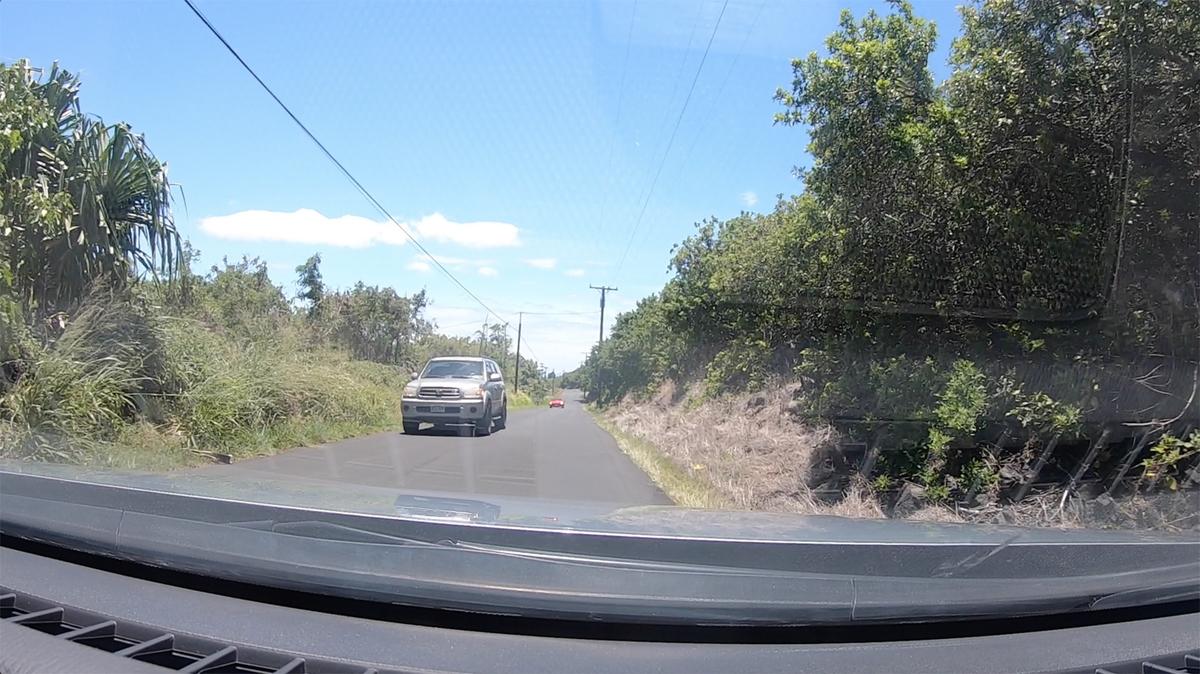 道が細い所があるので対向車に注意