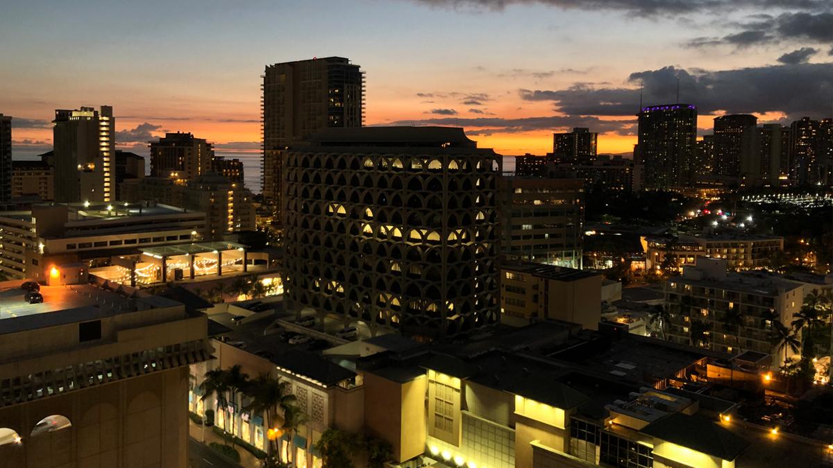 日没直後のラナイからの眺め