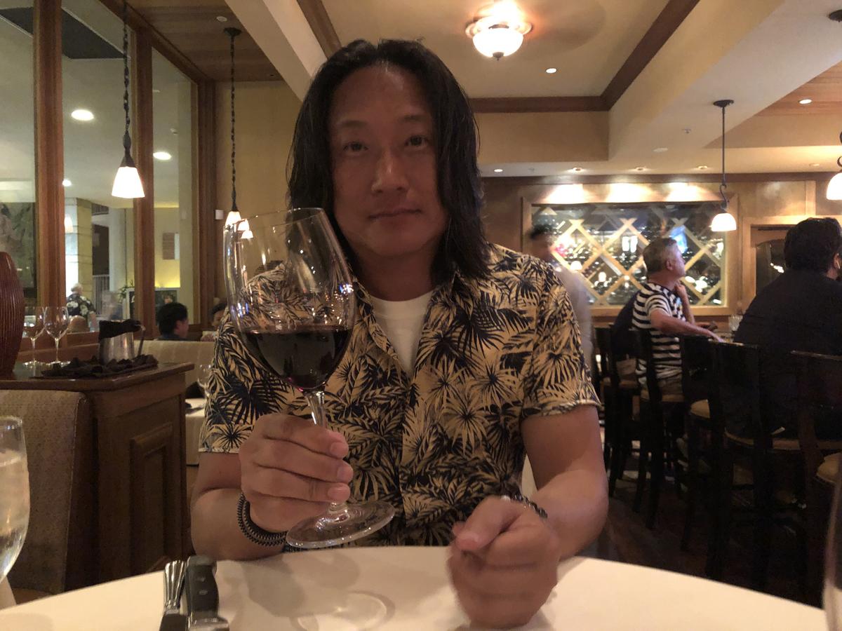 赤ワインで乾杯〜