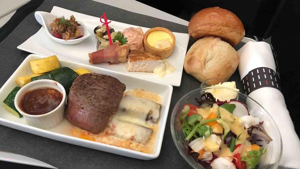 ステーキが美味しかった機内食