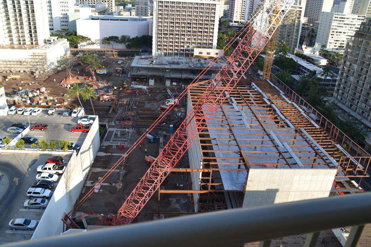 ラナイから見たインタマ改装工事風景