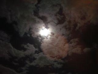 月と雲と見上げる僕