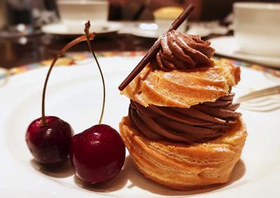 チョコレートとチーズのパリブレスト&アメリカンチェリー