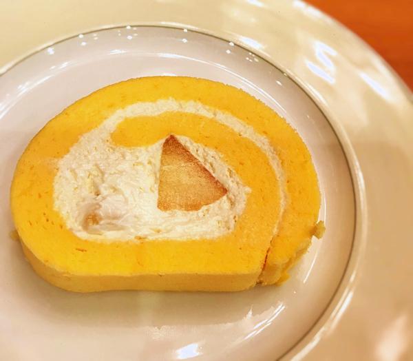 ミレフォリア「まるごともものロールケーキ」