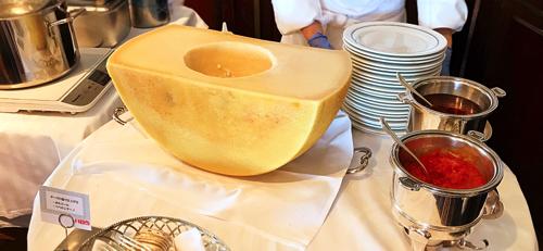 ル・ノルマンディ サマーランチビュッフェ『チーズ チーズ チーズ』実演パスタ