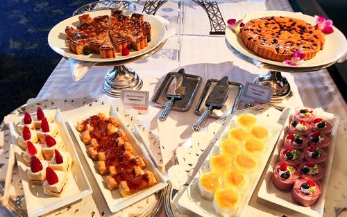 ル・ノルマンディ サマーランチビュッフェ『チーズ チーズ チーズ』デザートブッフェ台