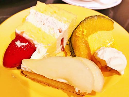ショートケーキ、かぼちゃプリン、タルトポワール