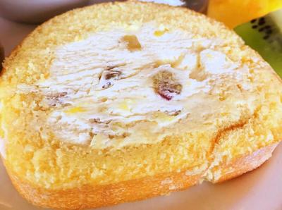 川崎日航ホテル 夜間飛行スイーツブッフェ「実演メニュー さつまいものロールケーキ」
