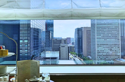帝国ホテル インペリアルラウンジ アクア アフタヌーンティー 席からの眺望