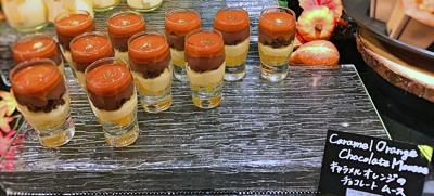 ザ・テラス 2018年10月 デザートブッフェ キャラメルオレンジのチョコレートムース*