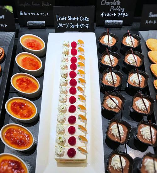 ザ・テラス2018年11月デザートブッフェアトリエコーナー「チョコレートプリン、フルーツショートケーキ、南瓜のクリームブリュレ」