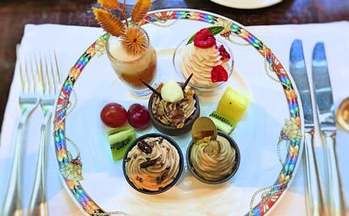 ザ・テラス2018年11月マロンデザートブッフェ「マロンとオレンジのチーズクリーム*、ラズベリーモンブラン、マロンとチョコレートのポット*、モンブラン〜フランス*、モンブラン〜和*」