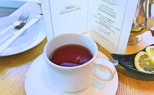 マリンブルーアフタヌーンティーの紅茶