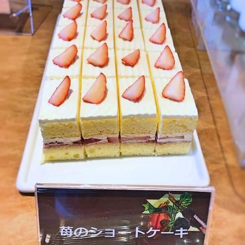 夜間飛行 チョコレートスイーツブッフェ 苺のショートケーキ