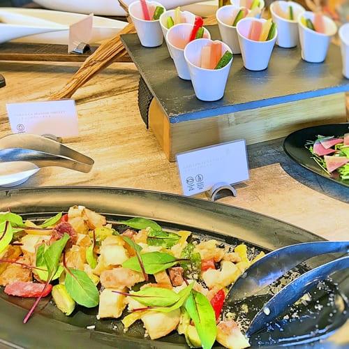 MIXXバー イタリアンランチブッフェ「グリルマグロのサラダ、バーニャカウダ」