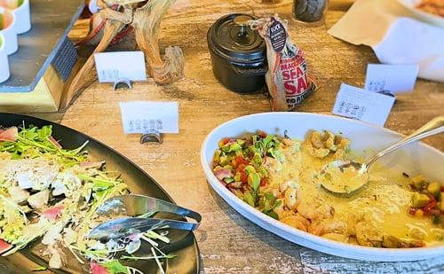 MIXXバー イタリアンランチブッフェ「蓮根とロマネスコのレムラード シラス添え、海老・アボカド・トマトのサラダ ヴィネグレット」