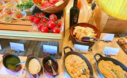 MIXXバー イタリアンランチブッフェ「トマト類とフムスなど」