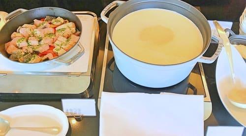 MIXXバー イタリアンランチブッフェ「栗のスープ、サーモンのソテーとペペロナータ」