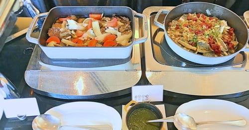 MIXXバー イタリアンランチブッフェ「イタリア風ポトフサルサヴェルデ添え、マトウダイのソテー レーズンとケッパーソース」
