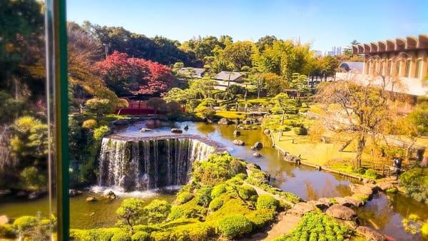 ニューオータニ東京 ガーデンラウンジはこの日本庭園が見える特等席
