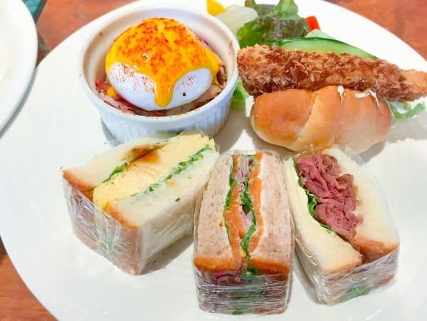 ガーデンラウンジサンドウイッチ&スイーツビュッフェで食べたお皿