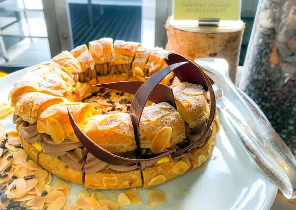 パリブレストショコラ|ブッフェ台