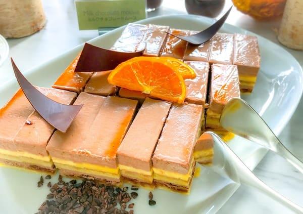 フレンチキッチン アフタヌーンティー ミルクチョコレートムース|ブッフェ台