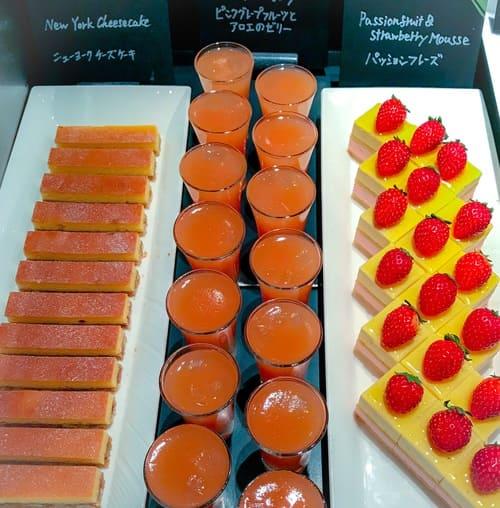 ザ・テラス アトリエコーナー パッションフレーズ*、ピンクグレープフルーツとアロエのゼリー、ニューヨークチーズケーキ